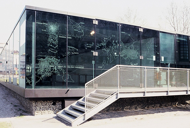 Nikolaus Gansterer, drawing on glass, variable dimensions, Kunsthalle Wien, project space, 2003
