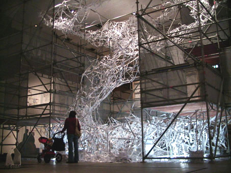 Installation view, Kunsthalle Vienna, 2005. (600 x 1000 x 800 cm )