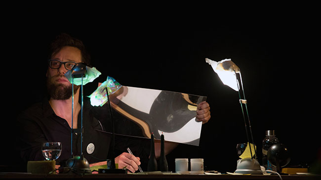 Nikolaus Gansterer, Nietzsche Diagrams, 2015, performance at Tanzquartier Vienna, Austria (photo: eSeL)